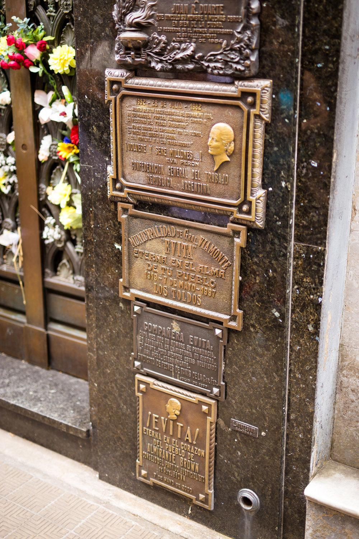 Wedding-travellers-Argentina-Buenos-Aires-Recoleta-cemetery-Evita-tomb