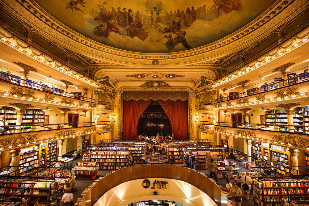 Wedding-travellers-Argentina-Buenos-Aires-Bookstore-El-Ateneo-Old-Theatre