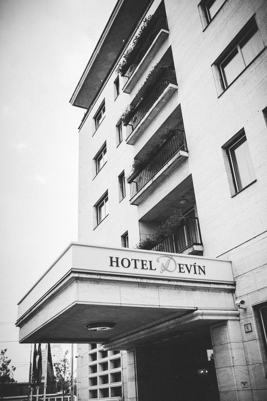 destination-wedding-photographer-slovakia-bratislava-bw-documentary-style-hotel-devin.jpg