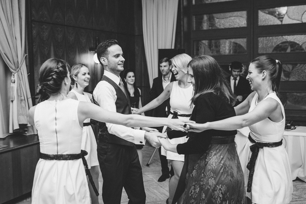 destination-wedding-photographer-slovakia-bratislava-bw-documentary-style-dancing-1.jpg
