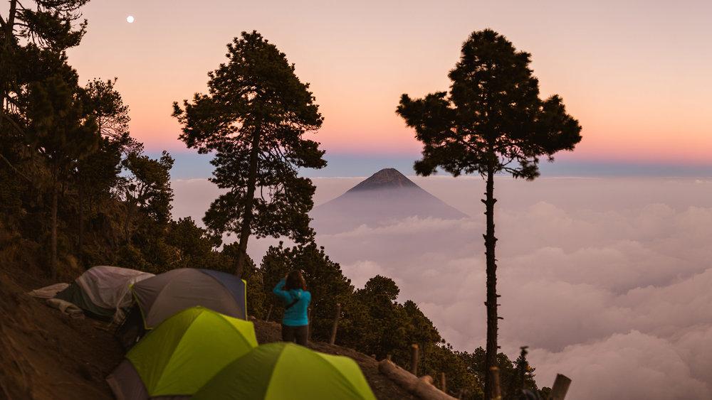 acatenango-volcan-agua-antigua-guatemala-overlanding-vanlife-1.jpg
