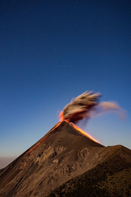 active-volcan-fuego-eruption-acatenango-guatemala-hike-tour-1.jpg