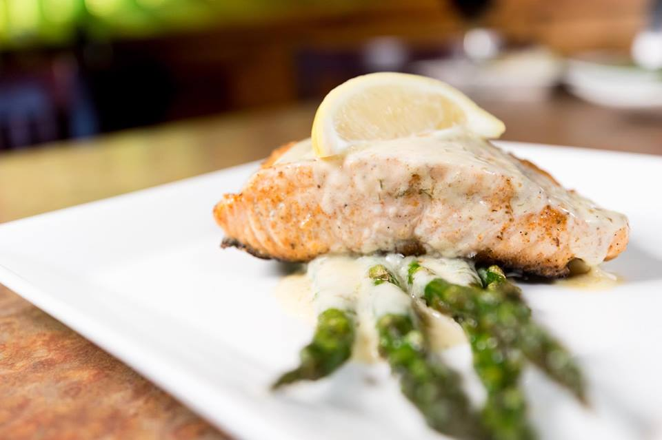 Salmon w/Lemon Dill Sauce