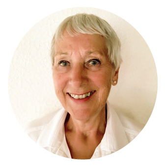 Hej! Birgitta heter jag och det är jag som hjälper dig med frågor & bokning. -