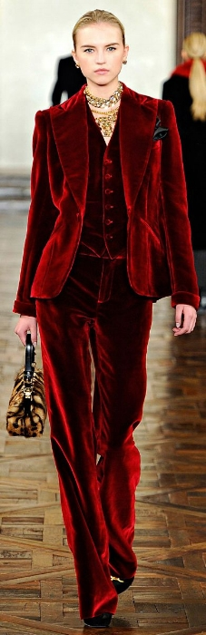 eb95a803a78d3c9eb083dd9399f15c46--velvet-suit-velvet-pants.jpg