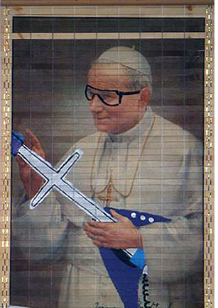 Pope_0005_Layer 1.jpg