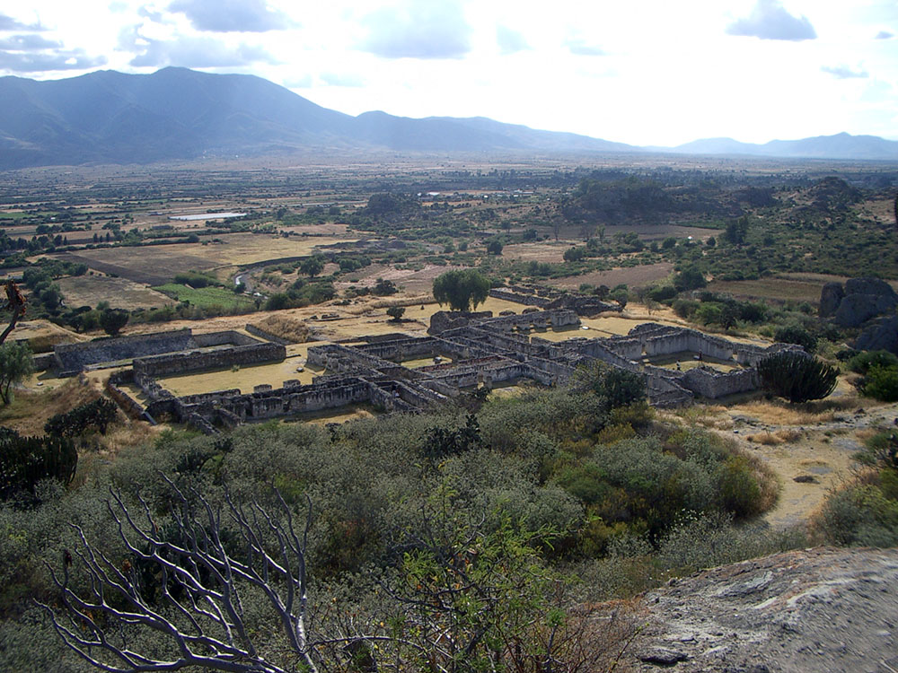 Oaxaca, Yagul, residences.jpg