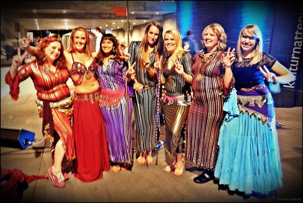 Maria tillsammans med elever från Uppsala Danscenter. Kulturnatten, Uppsala, september 2014.