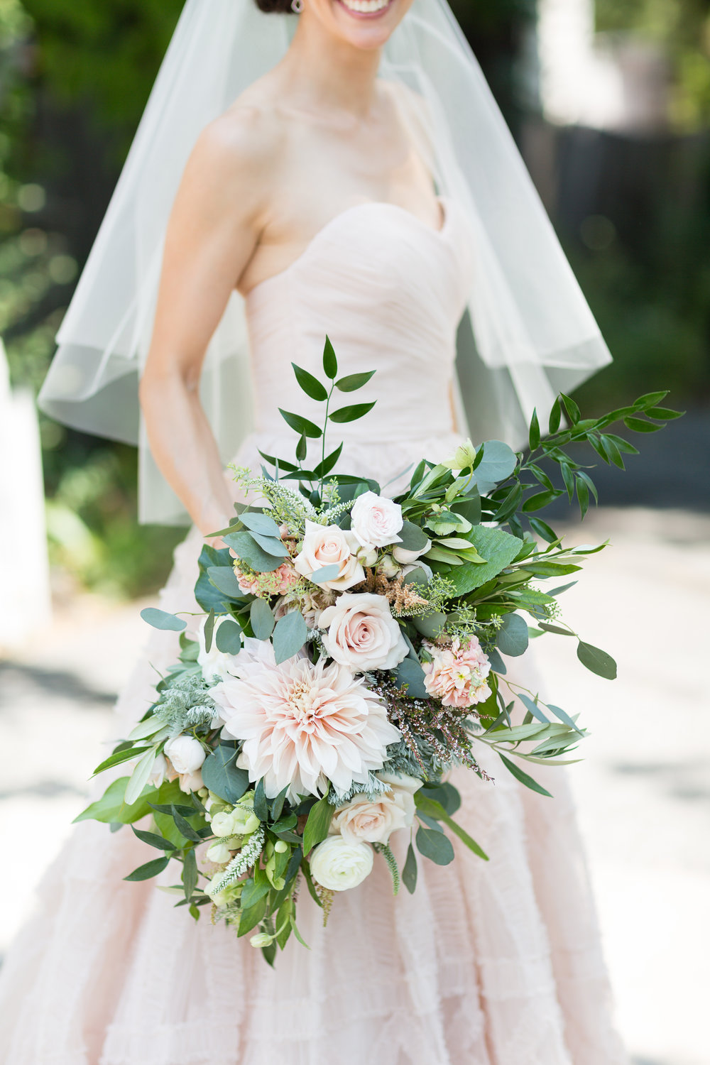 Wedding Florals by Bees, Leaves, N' Love