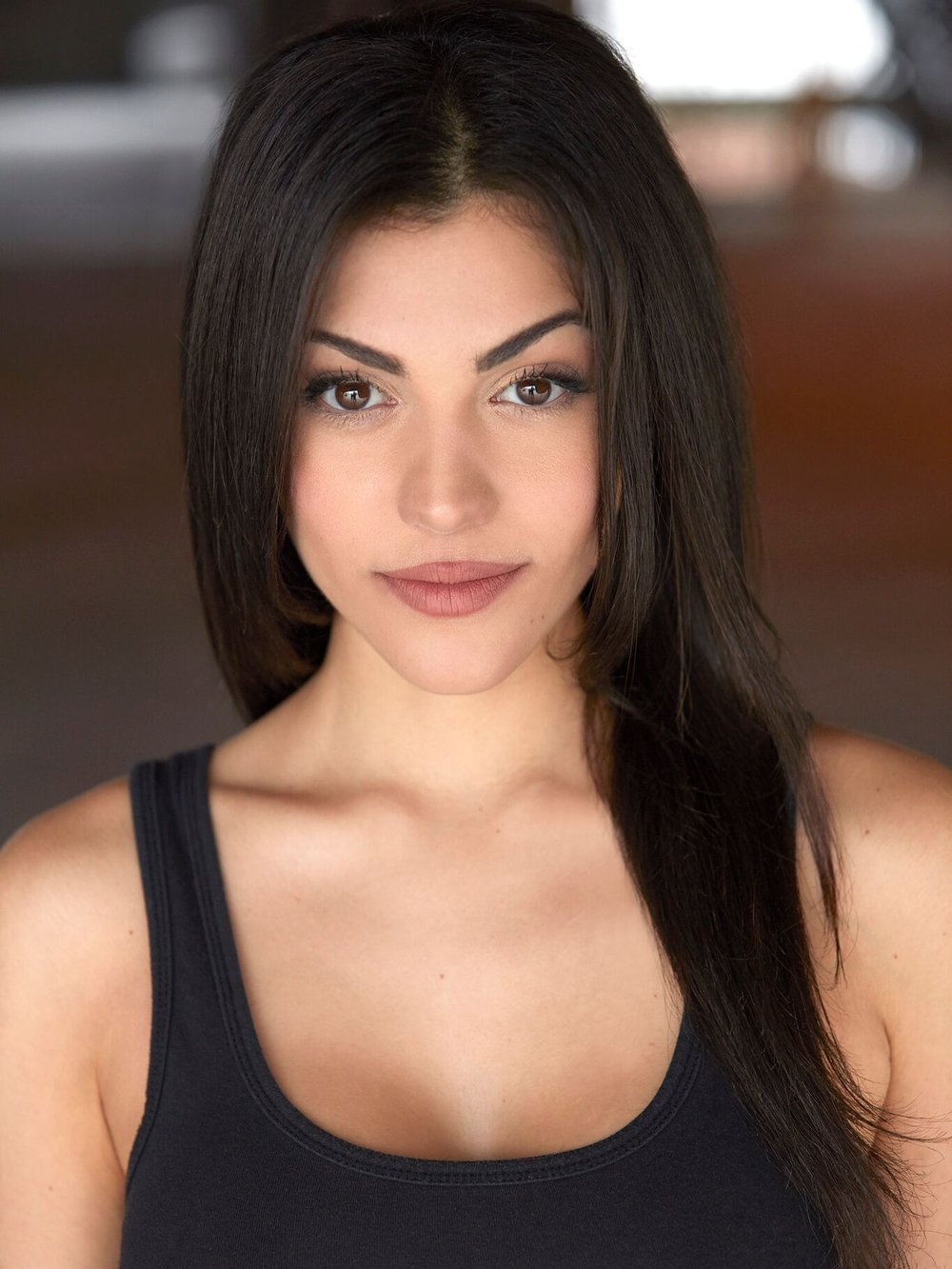 Orit - Height: 5'7Origin: Calabasas, CABio: Beautiful actor/model & experienced bartender.!