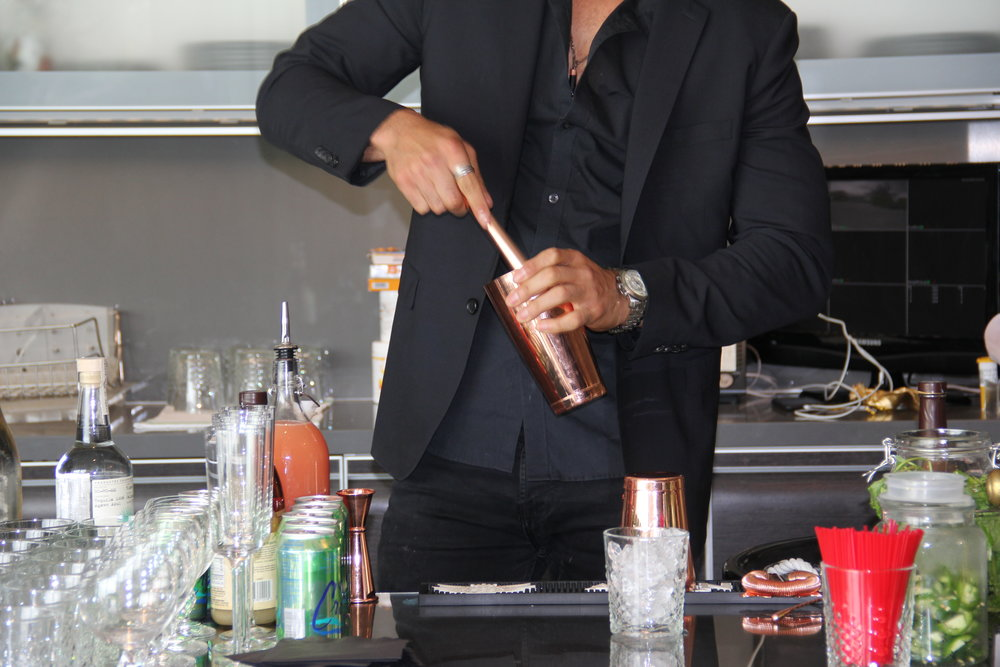 Let us show you how a good cocktail is done!