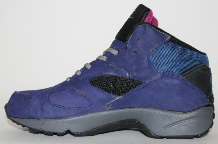 the latest 692bf b39ec Nike ACG Air Escape II Mid Night Blue OG DS (Size 10.5) — Roots