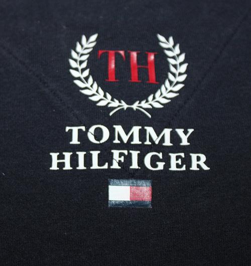 c0ca618c5ce Vintage Tommy Hilfiger TH Crest Logo T Shirt (Size L) — Roots