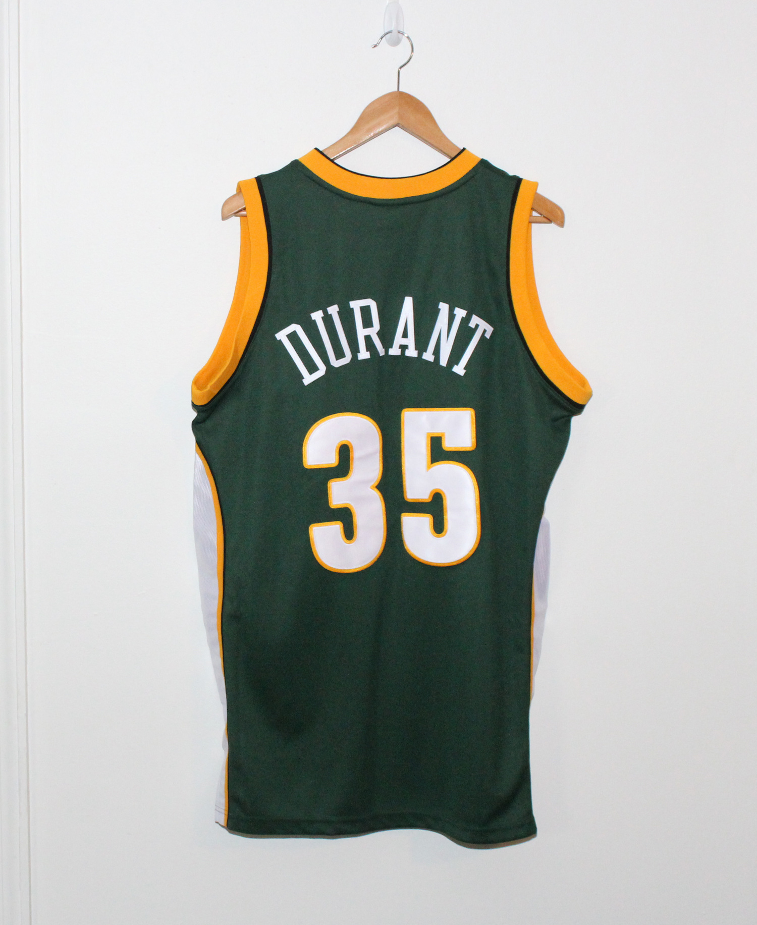 128d51227931 Adidas Seattle Super Sonics Kevin Durant Authentic Jersey (Size 40) NWT —  Roots