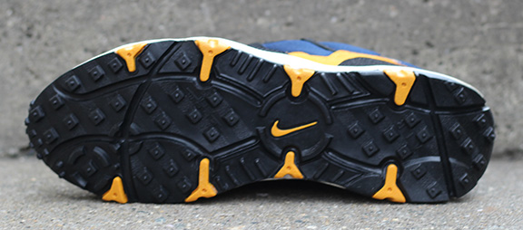 Nike Air Minot Midnight Navy   Taxi DS — Roots b0876045e