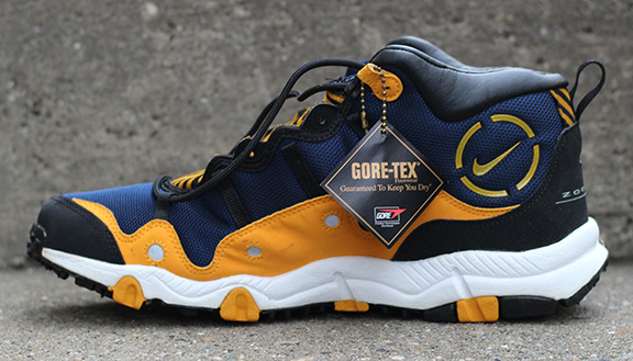 1652778fb72 Nike Air Minot Midnight Navy   Taxi DS — Roots