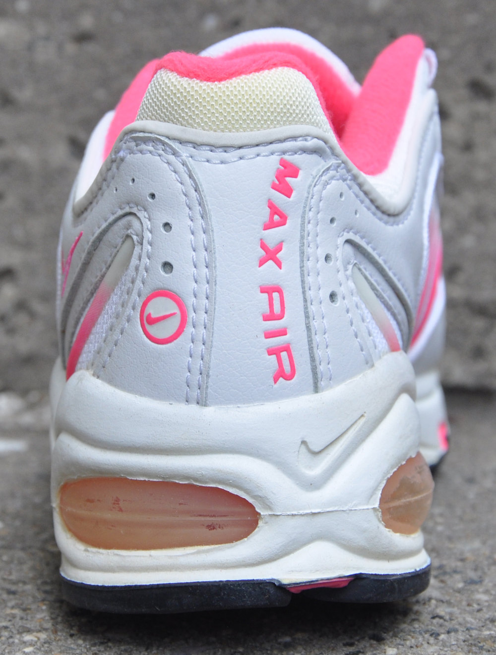 new concept f1e21 e1718 Kids Nike Air Max Tailwind White   Pink (Size 6) DS — Roots