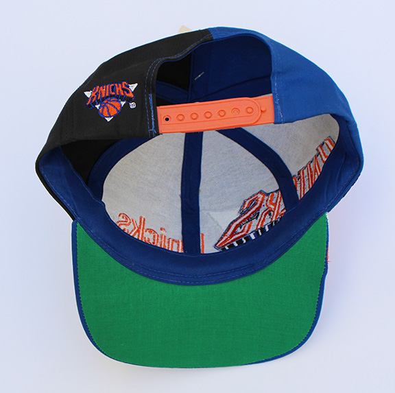 e68c99e52afb2 Vintage Twins New York Knicks Snapback NWT — Roots