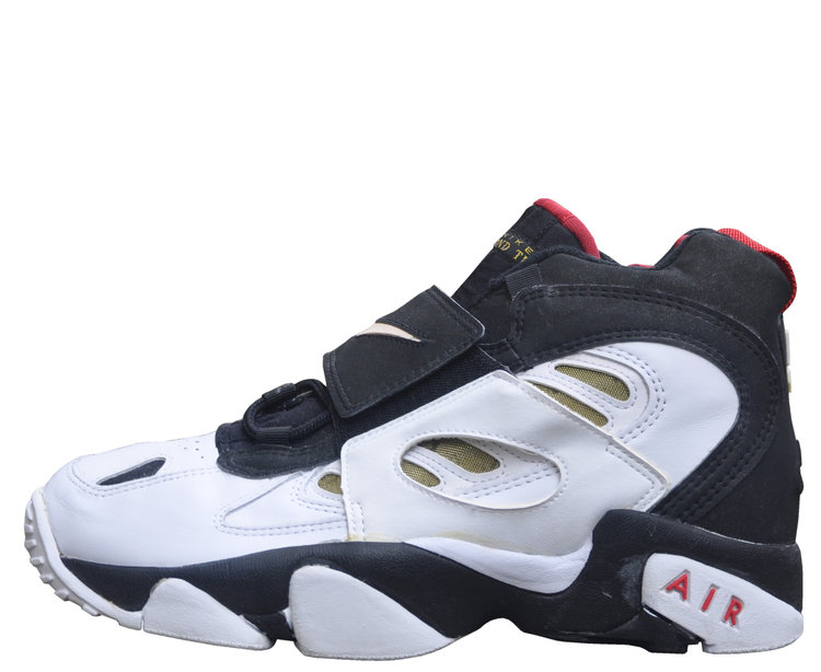 9380d128f2 Nike Air Diamond Turf 2 White / Black / Red (Size 11) DS — Roots