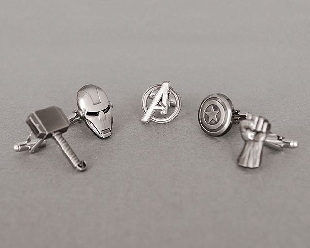 Raise your hand if you're going to see Avengers: Infinity War premiere at midnight?! 🙋‍♂️🙋‍♀️ • #skeltonstreasures #theavengers #avengers #avengersinfinitywar #superherocufflinks #superherowedding #weddinginspiration #weddinginspo #weddingideas #captainamerica #ironman #hulk #thor #blackpanther #wakanda #wakandaforever #doctorstrange #spiderman #captainmarvel #antman #guardiansofthegalaxy #starlord #groot #rocketraccoon #thanos #infinitywar #infinitygauntlet #infinitystones