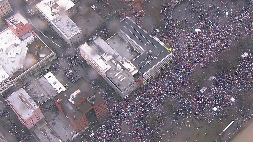 This is an image that    KGW New s   posted to show just a small sampling of the crowds. Reports had estimated 37k people had RSVP'd via Facebook while the final tally's estimated closer to 100k showed up. WOW!