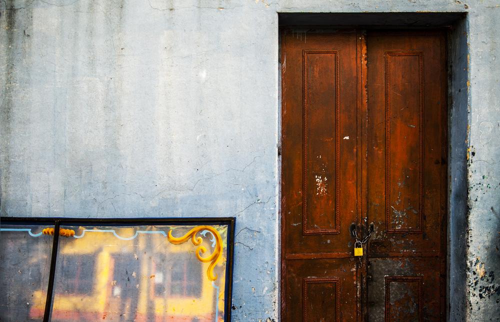 Puerta y amarillo.jpg