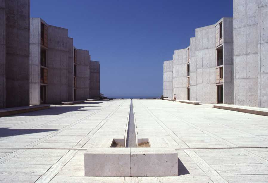Salk Institute in La Jolla, California, Louis Kahn, 1959–65. (© The Architectural Archives, University of Pennsylvania, photo: John Nicolais)