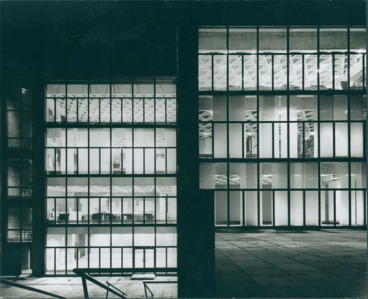 Yale University Art Gallery, New Haven, Connecticut, Louis Kahn, 1951–53  © ARCHITECTURAL ARCHIVES OF THE UNIVERSITY OF PENNSYLVANIA, PHILADELPHIA, PHOTO: LIONEL FREEDMAN