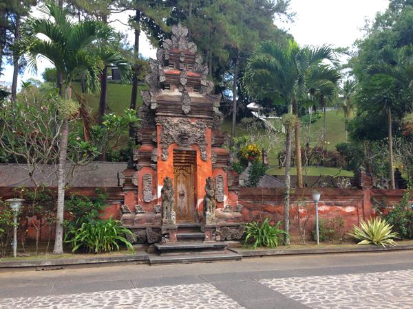 entrance_0979.jpg