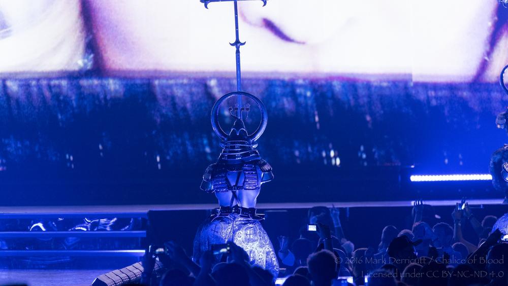 Madonna - 3.jpg