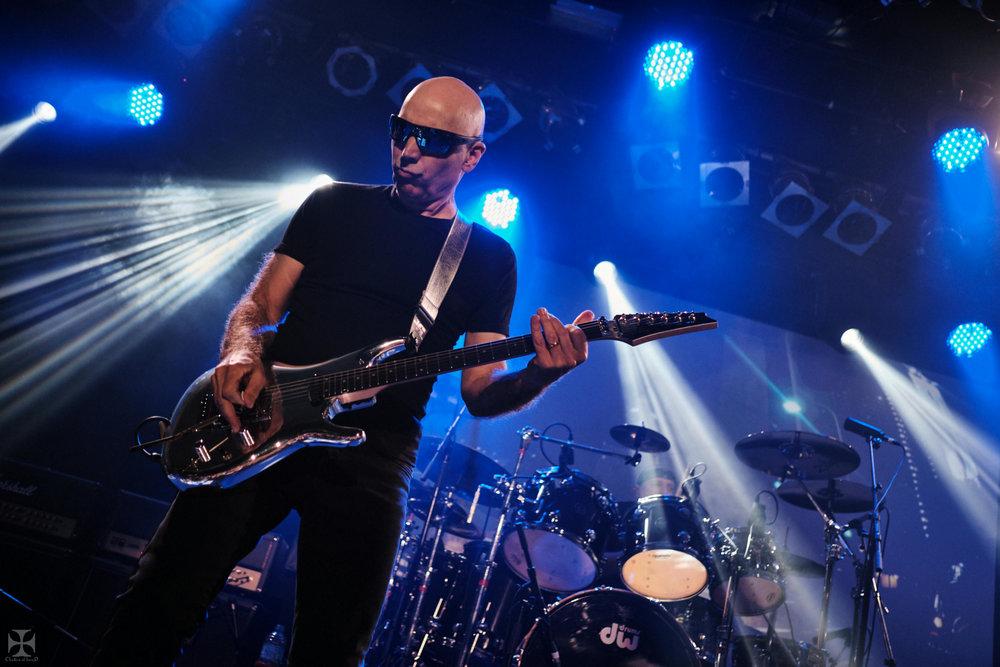 2018.12.04 Joe Satriani - DSC21255_branded.jpg