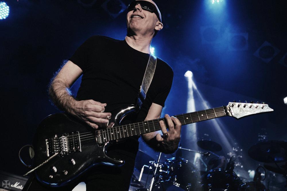2018.12.04 Joe Satriani - DSC21257_branded.jpg