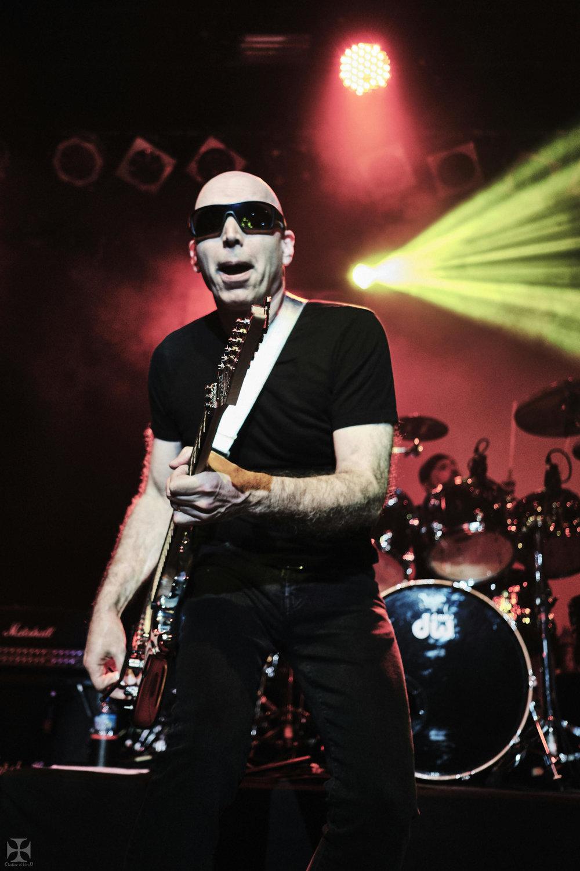 2018.12.04 Joe Satriani - DSC21467_branded.jpg