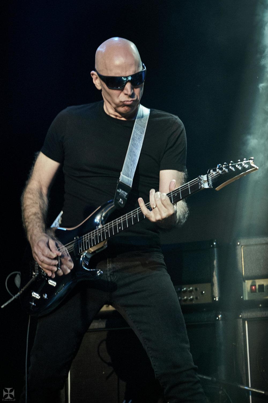 2018.12.04 Joe Satriani - DSCF6859_branded.jpg