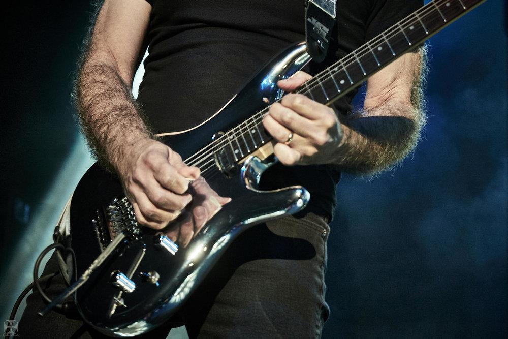 2018.12.04 Joe Satriani - DSCF6869_branded.jpg