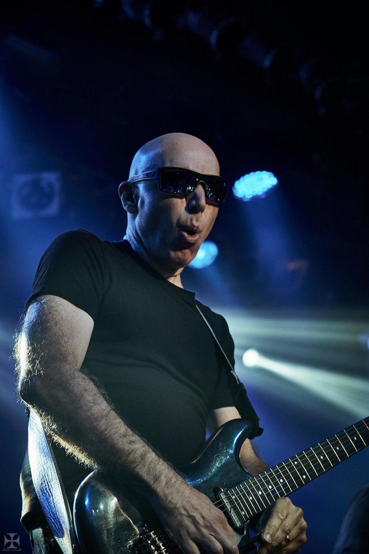 2018.12.04 Joe Satriani - DSCF6878_branded.jpg
