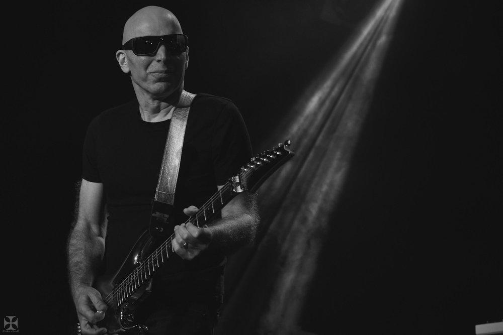 2018.12.04 Joe Satriani - DSCF6892_branded.jpg