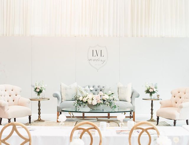 Would do anything to be back at @lvl_academy this week learning from the most inspirational women in the industry ✨ So thankful for this opportunity + for ladies who are willing to teach like @heatherhoesch and @lindsaylongacre. Wish we could spend every week surrounded by incredible wedding planners. Photo: @lorelymeza // Rentals: @foundrentals // Florals: @heavenly_bloomsi
