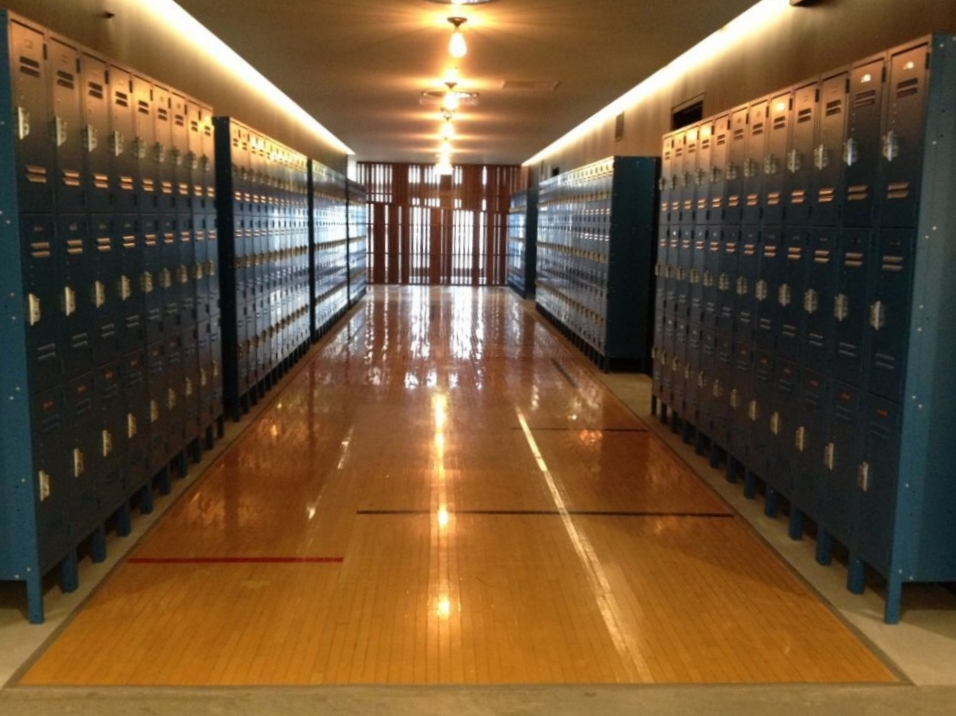 72 and Sunny locker area.JPG
