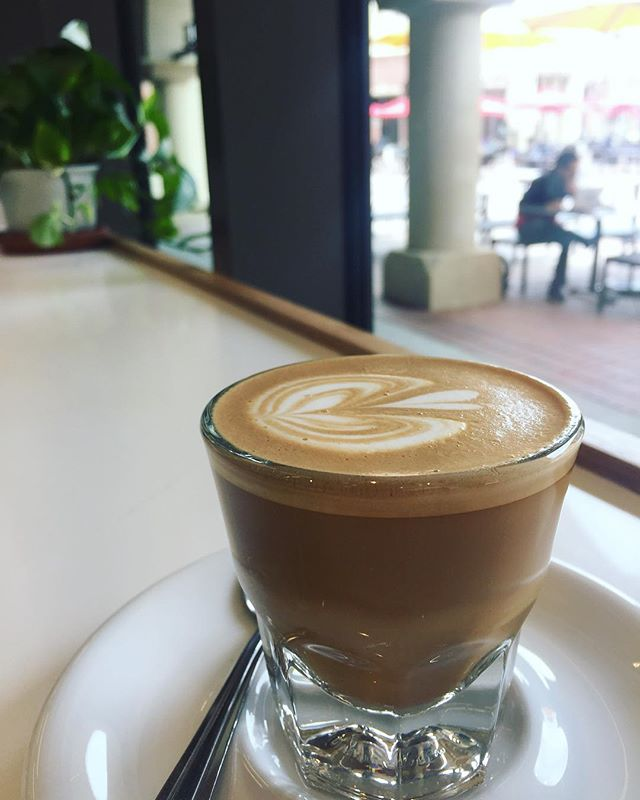 cortado at @cafedulcela's usc village shop 🙌🏽 #usc