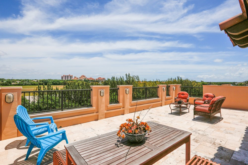29_6230ParadisePointDr_188_RooftopTerrace_HiRes.jpg