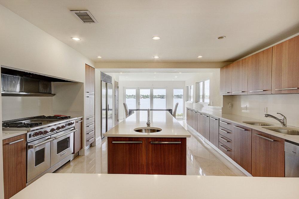 13724 SW 92nd Ct - Kitchen.jpg