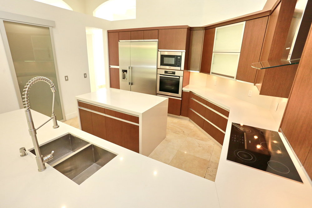 2503 Provence Cir Weston FL-print-029-56-Kitchen-4200x2800-300dpi.jpg