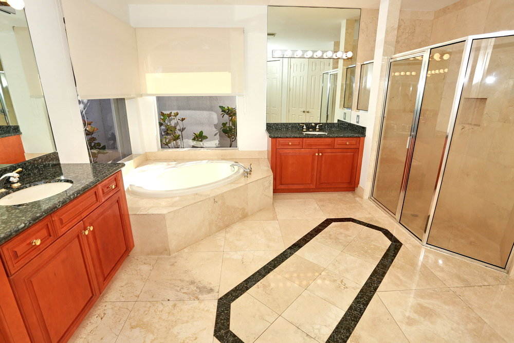 2503 Provence Cir Weston FL-print-066-102-Master Bathroom-4200x2800-300dpi.jpg