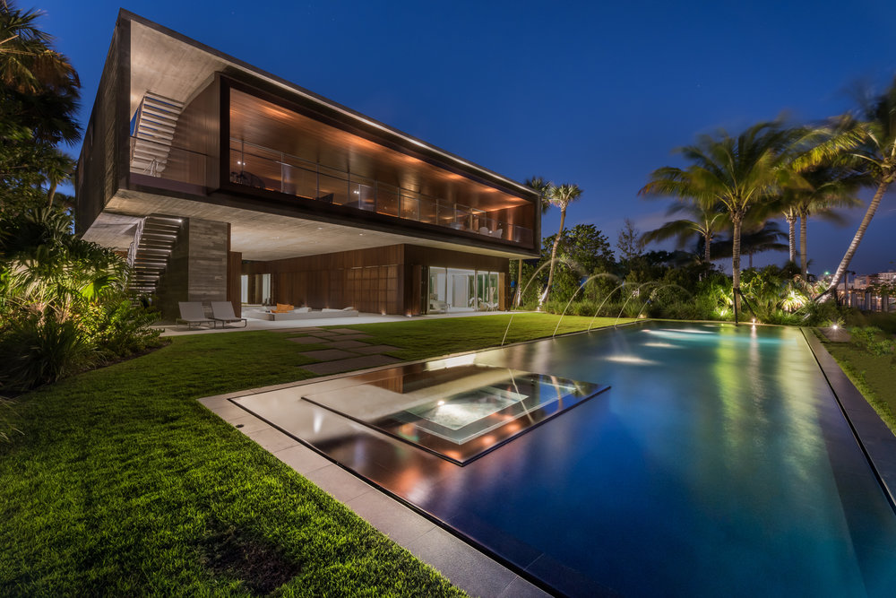 4567 Pine Tree Dr Miami Beach