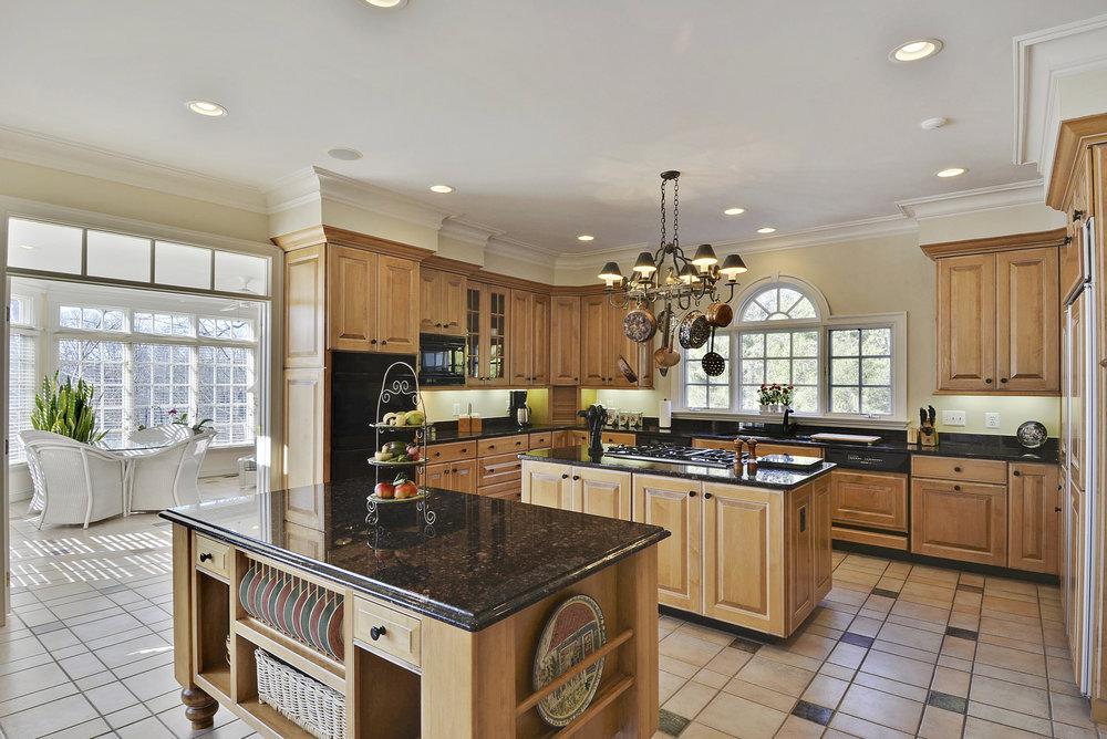 Main Level-Kitchen-_DSC8581.JPG
