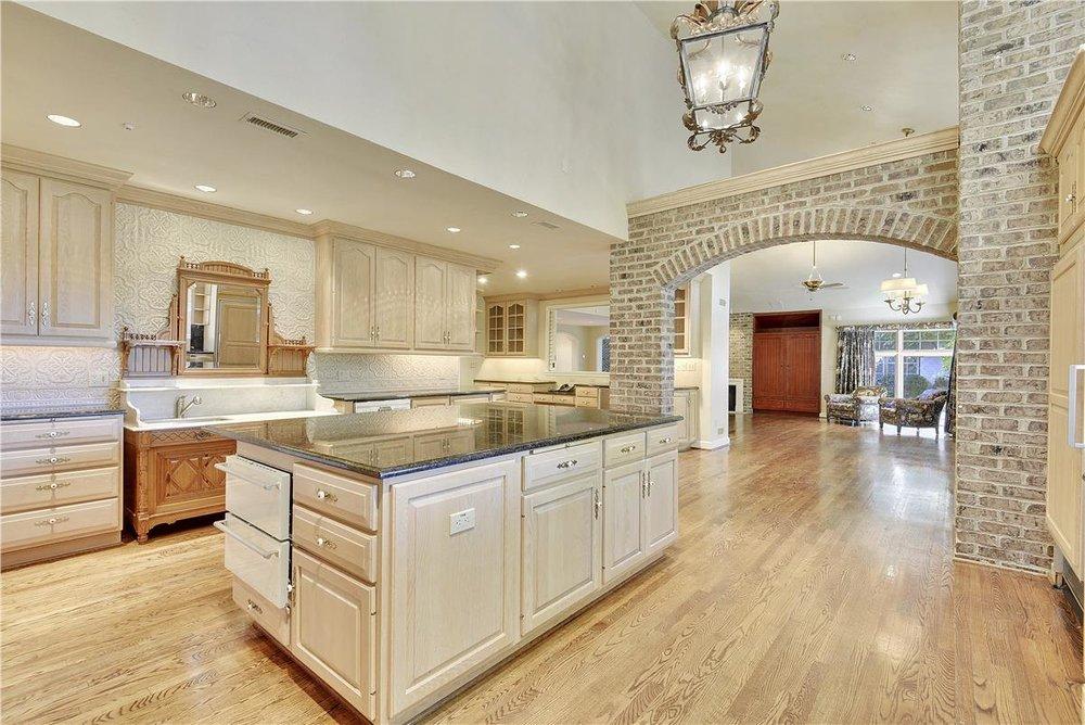 Main Level-Kitchen-_DSC1580.JPG