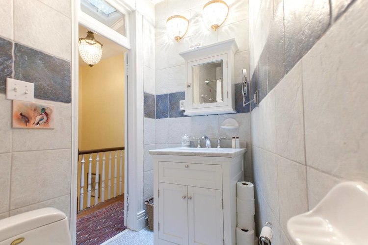 703+upstairs+bath3.jpg