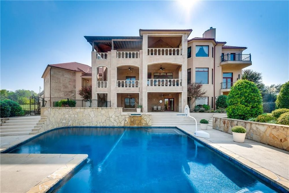 323 Kings Ct, Forney