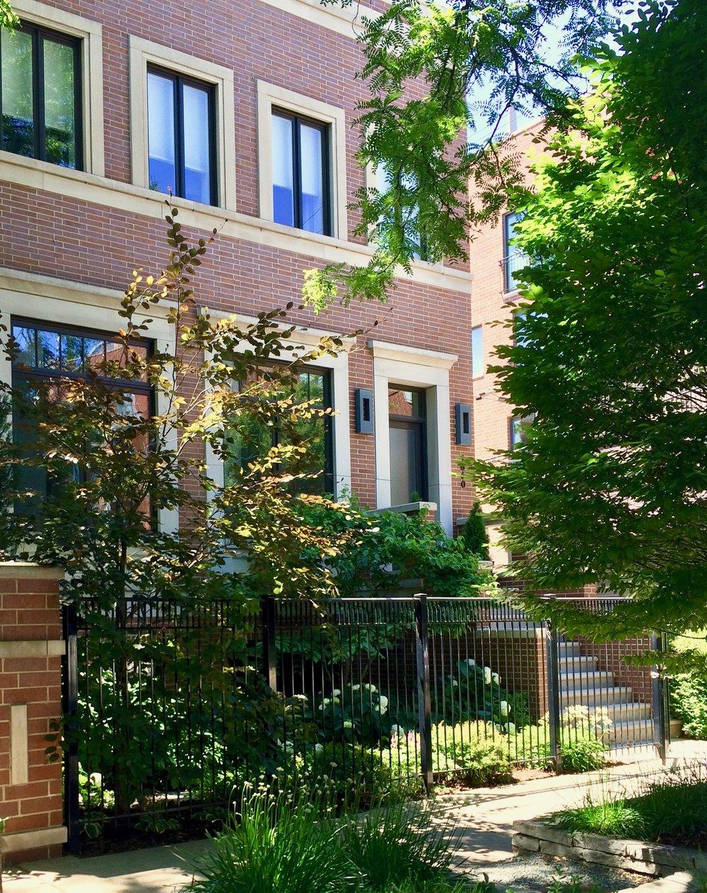 IMG_2499 facade 1660.jpg